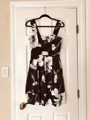 Floral Black Sleeveless Dress (Size: 4) for Sale in Long Beach, CA