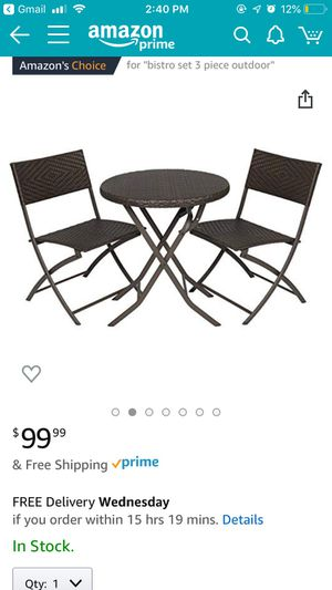 Patio table and chairs for Sale in Chicago, IL