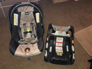 Infant car seat and base for Sale in Gilbert, AZ