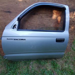 First Gen Toyota Tacoma Genuine OEM Complete Door for Sale in Lynnwood, WA