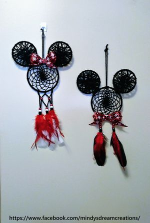 *Mickey and Minnie Style Christmas dreamcatcher set!* for Sale in Fayetteville, AR