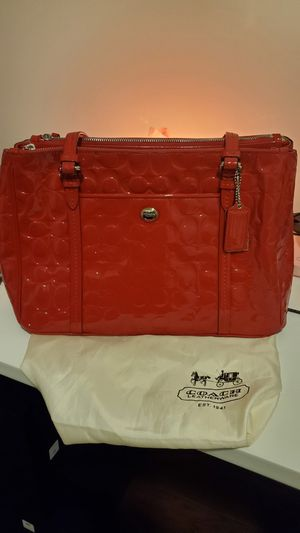Coach red patent leather double zip carryall handbag for Sale in Glen Burnie, MD