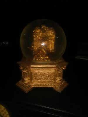 Ventage snow globe with Angel in globe for Sale in Long Beach, CA