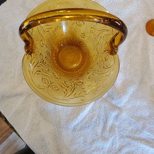 AMBER GLASS BASKET for Sale in Lynwood, CA