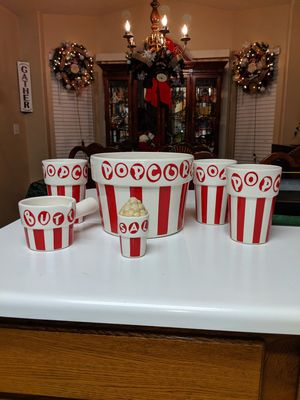 Perfect set for movie night for Sale in Las Vegas, NV