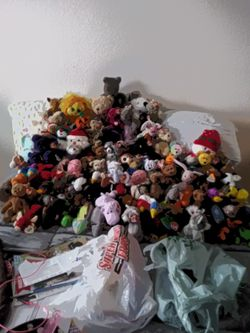 Beanie Babies for Sale in Des Moines,  WA