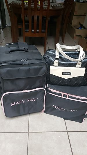 Mary Kay Cosmetics 3Pc Set. for Sale in Goodyear, AZ