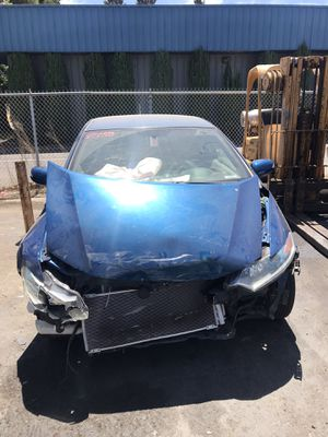 *Wrecked* 2011 Honda Insight (Runs & Drives) for Sale in Rancho Cordova, CA