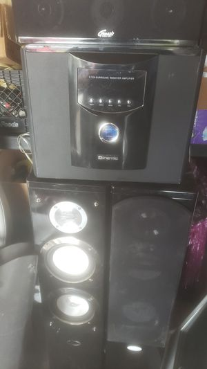 Home theater with three speakers for Sale in Katy, TX