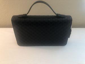 New Gucci Double Zipper Travel Wallet for Sale in Phoenix, AZ