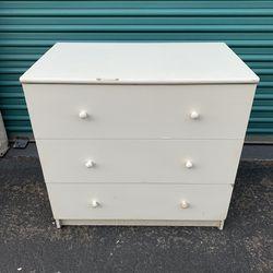 White Wood Bedroom Dresser for Sale in Fullerton,  CA