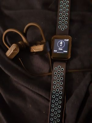 Bluetooth headphones and smartwatch for Sale in Columbus, OH