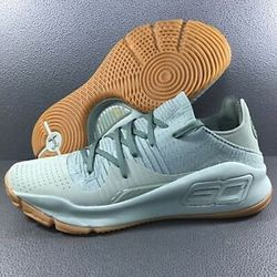 Under Armour UA Curry 4 Low Olive Sz 11 for Sale in Bakersfield,  CA