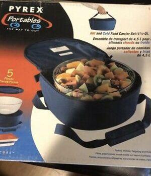 Vintage Pyrex Portables 2 Qt Casserole Bowl With Lids. Microcore Case. for Sale in Graham, WA