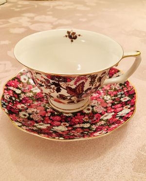 Grace's Teaware Teacup and Saucer for Sale in Aurora, IL