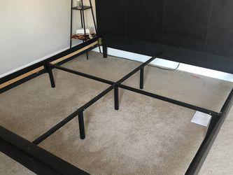 Zinus King Bed Frame for Sale in Fremont,  CA