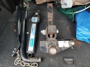 Heavy duty trailer hitch with stabilizer bars for Sale in Livonia, MI