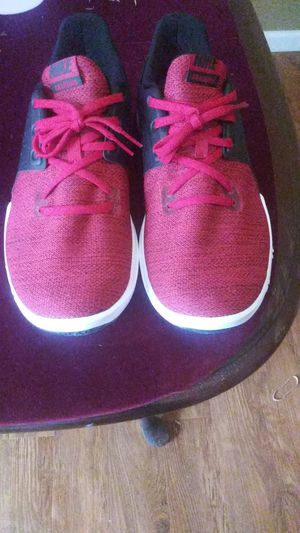 Nike shoes mens size 11 new for Sale in Shelbyville, TN