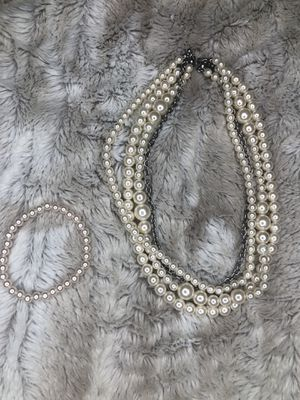 Pearl necklace and bracelet for Sale in Los Angeles, CA