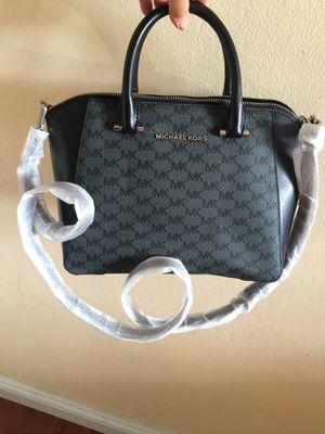 Michael kors satchel handbag for Sale in Gardena, CA