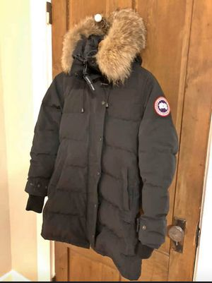 Canada goose women's shelburne fusion fit small for Sale in Framingham, MA