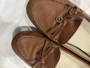 Leather Michael Kors shoes for Sale in Franklin, WI