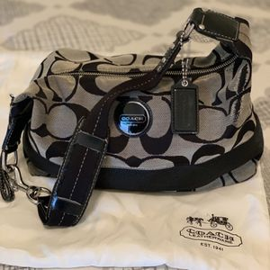 COACH Hobo Bag for Sale in Stamford, CT