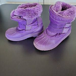 Snow boots kids 11/12 hardly used for Sale in Riverside, CA