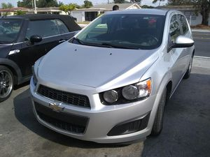 Chevy sonic 2015 for Sale in Hialeah, FL