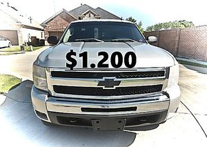 💲1,200 2011 Chevrolet Silverado Very Clean!Runs and Drives great.❤️ for Sale in Hartford, CT
