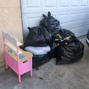 FREE CLOTHES AND TOYS for Sale in Downey, CA