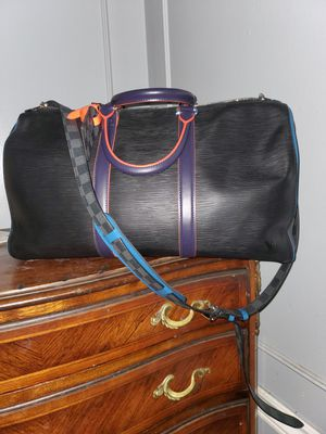 Louis vuitton epi leather keepall bandoulier 50 for Sale in Los Angeles, CA