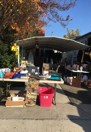 Sanger yard sale today and Saturday for Sale in Sanger, CA