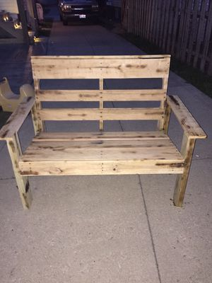 Well made outdoor patio pallet loveseat for Sale in Parma Heights, OH