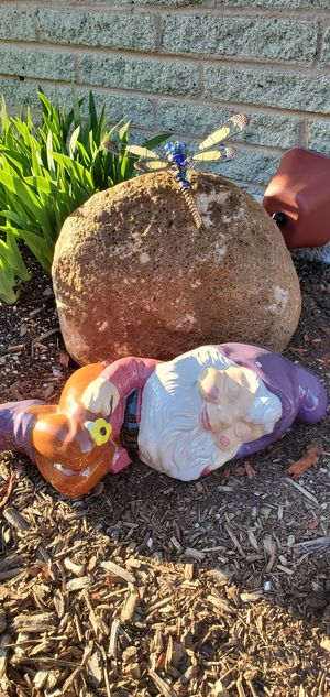 """Decorations Long 17"""" Ceramic Yard see 3 pictures for Sale in Oak Lawn, IL"""