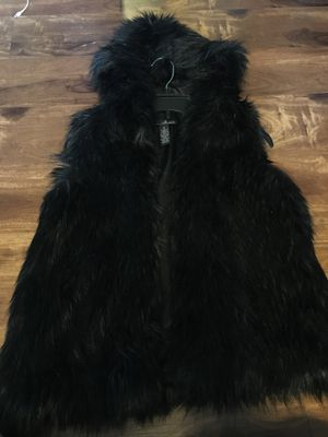 Brand New Woman's Willi Smith brand Hooded Fur Vest for Sale in Tacoma, WA