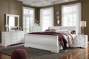 Anarasia Whiteeeee Panel Bedroom Set for Sale in Arlington, VA