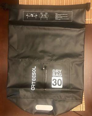 Waterproof Dry bag - 30 Liters for Sale in Los Angeles, CA