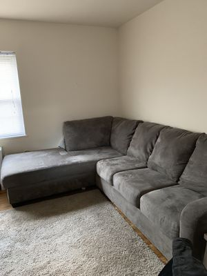 couch in very good condition for Sale in Alexandria, VA