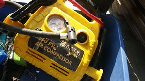 Auto essentials 260 psi air compressor for Sale in Andover, KS