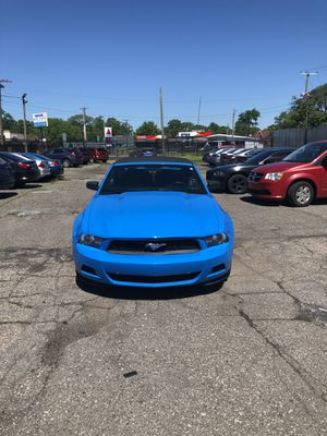 2010 mustang convertible for Sale in Detroit, MI