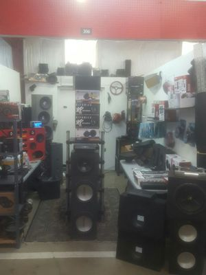 Tons of car audio equipment!!!!! for Sale in OH, US