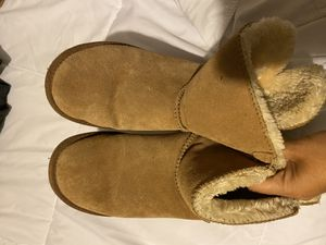 Size 7 Ugg Boots** PENDING PICK UP ** for Sale in El Mirage, AZ