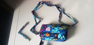 VERA BRADLEY WALLETS (2) for Sale in Pennsauken Township, NJ
