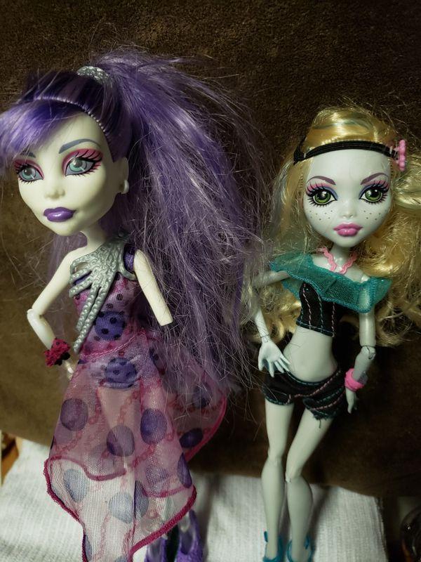 Monster High Dolls (2)