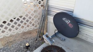 Satilite.hd dish with stand for Sale in Yuma, AZ