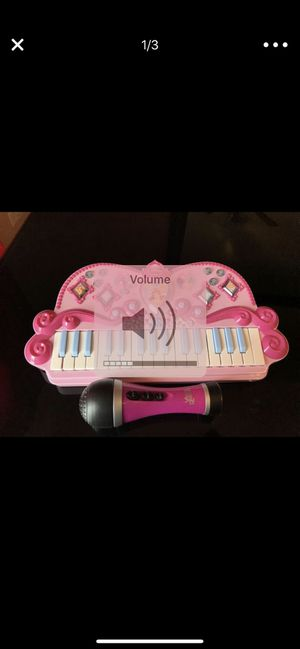 PRINCESS MUSICAL KEYBOARD AND VOICE ROCKRZ MIC for Sale in Bolingbrook, IL