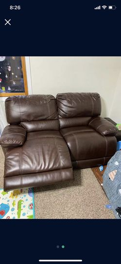 2 Peice Set! 150 OBO !! automatic Recliner for Sale in Everett,  MA