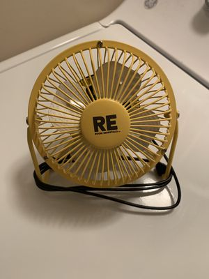 Room Essentials portable fan for Sale in Princeton, WV