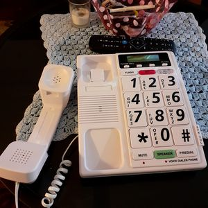 Voice activated telephone for seniors for Sale in Louisville, TN